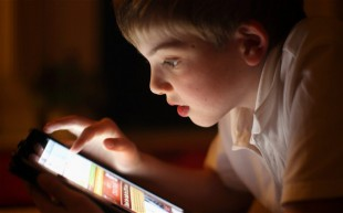 child-tablet_2563778b